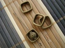 03320 Бусина-рамка «Мягкий квадрат»
