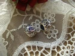 13832 Подвеска-шарм «Цветок с капельками росы»