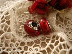 20513 Подвеска-шарм «Красные пузырьки»